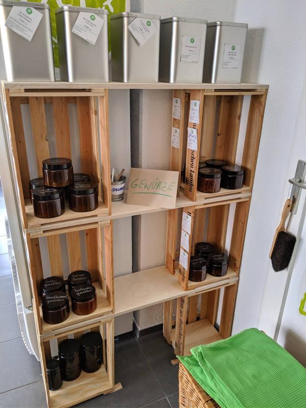 Gewürze und Tee im Unverpackt Laden Frankfurt