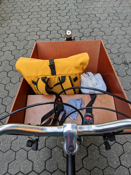 Mit dem Lastenrad auf dem Weg zur Arbeit