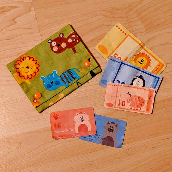 Geldbörse und Spielgeld selber machen